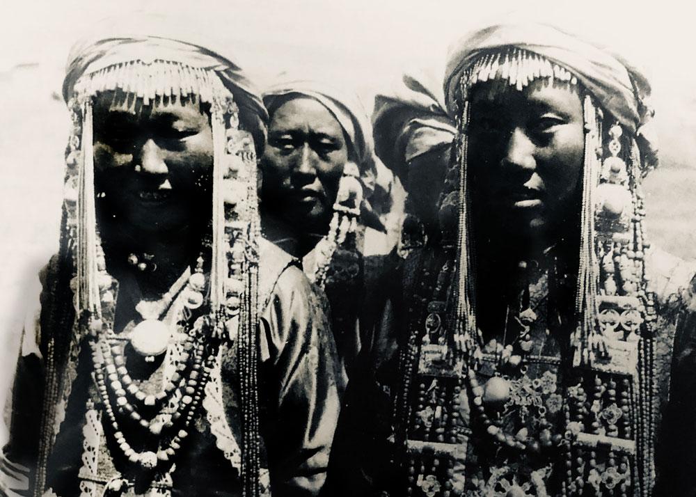 Femmes mongols et apparat